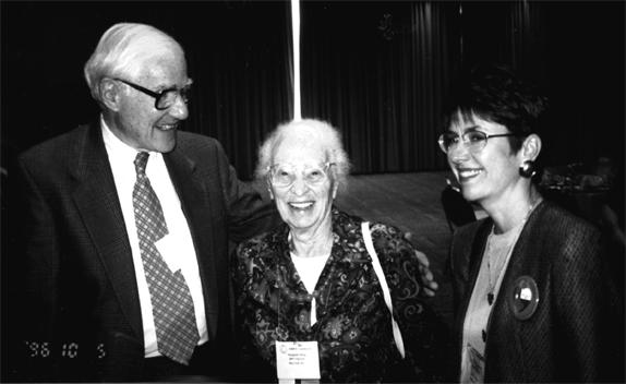 Dr. Marshall Klauss, Elisabeth Bing, Linda Harmon (L-R) 1996 ©Lamaze